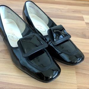 Vtg Cobbie Patent Leather Loafers 1950s